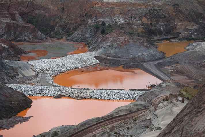 Barragem de Fundão, em Mariana, dois anos após a tragédia do rompimento da estrutura de contenção de rejeitos