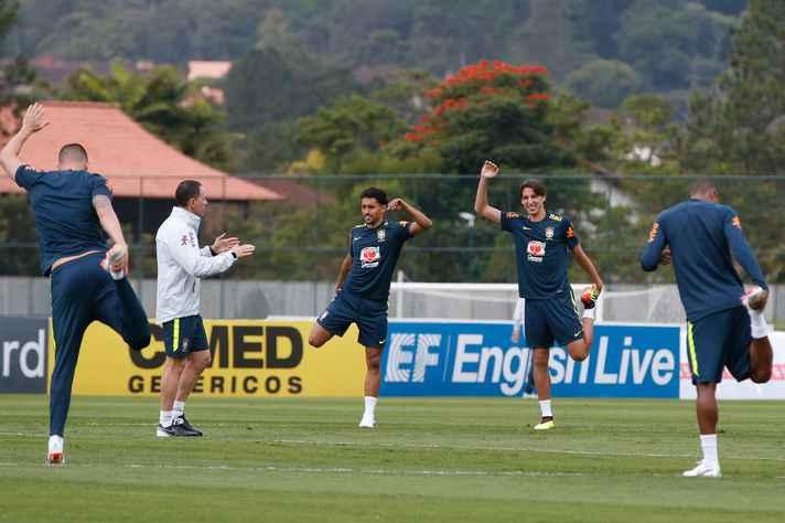 Treino com bola da Seleção Brasileira de Futebol para a Copa do Mundo da Rússia 2018, na Granja Comary, em Teresopólis (RJ)