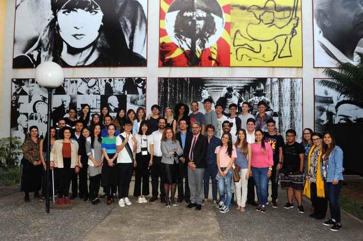 Estudantes estrangeiros acolhidos pelo Programa de Apadrinhamento