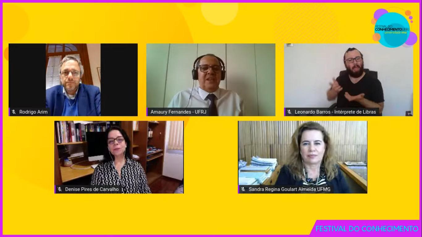 Participantes da mesa-redonda discutiram estratégias para a integração das universidades da América Latina