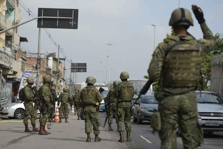 Forças Armadas participam de operação no Rio de Janeiro