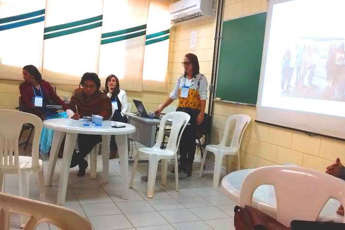 Educadora Gilsilene Mendes falou sobre o projeto Escola da Terra no município de Miradouro