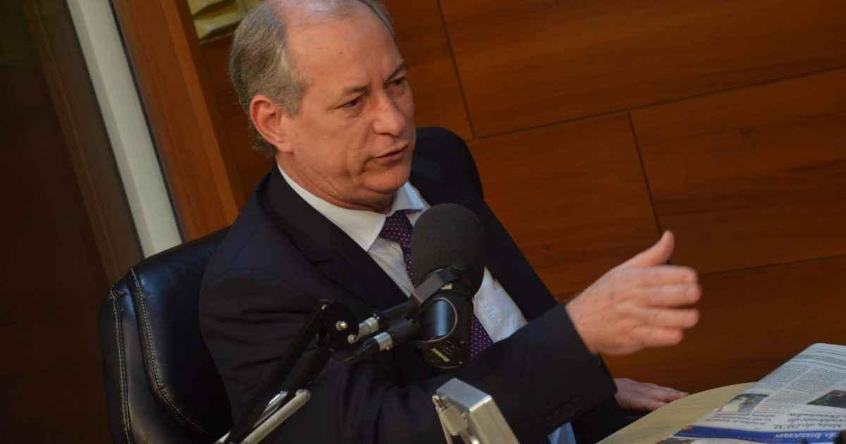 Ex-governador do Ceará participa de seminário na UFMG