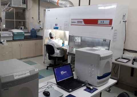 Laboratório do Nupad que integra rede de testagem da UFMG para a covid-19