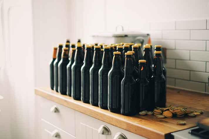 Produção caseira de cerveja é estudada como prática de lazer em pesquisa de doutorado