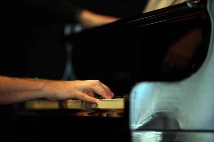 O repertório conta com obras de Beethoven e canções improvisadas