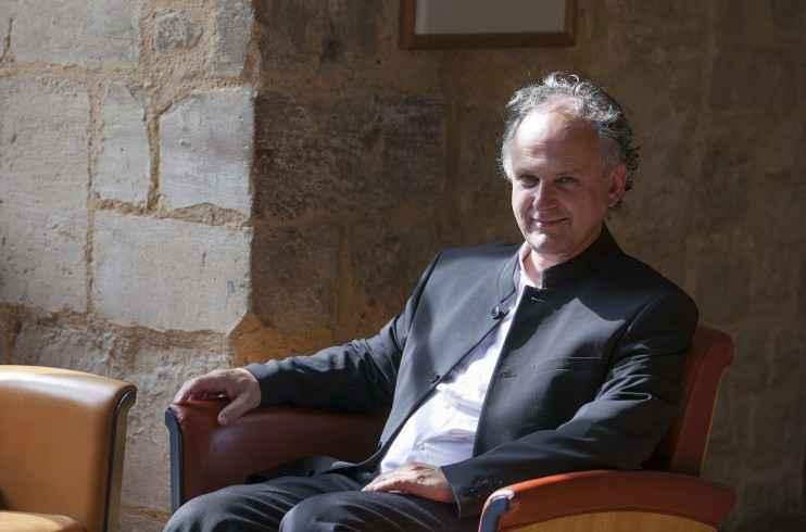 Denis Laborde é etnólogo e diretor de estudos do EHESS