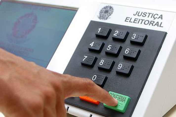 Urna eletrônica é usada desde as eleições de 2000 e nunca houve registro de fraude