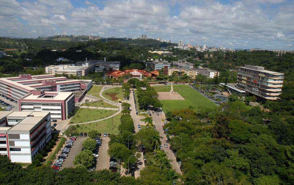 Vista aérea do campus Pampulha, onde se concentra a maioria das unidades da UFMG