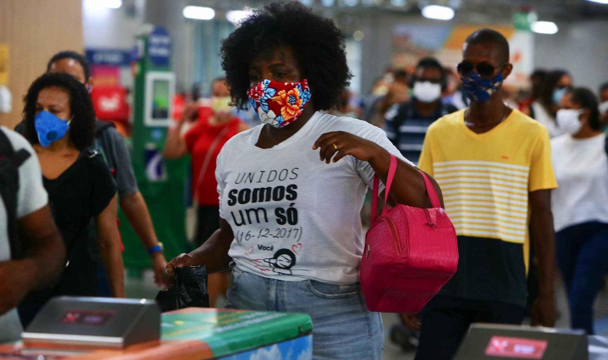 Uso de máscaras é uma das medidas para evitar a covid-19