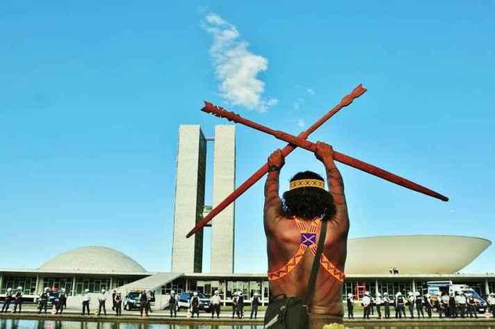Lideranças indígenas de todo o país criticaram as decisões do novo governo