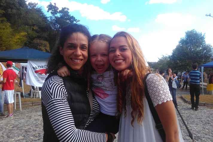 A família de Amanda Neves comemorou seu ingresso na Universidade