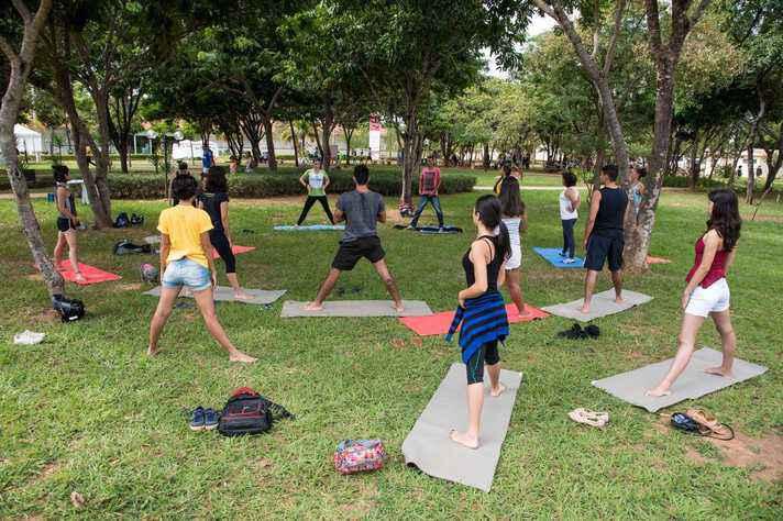 Oficina de yogaterapia no campus de Montes Claros, que terá uma edição em