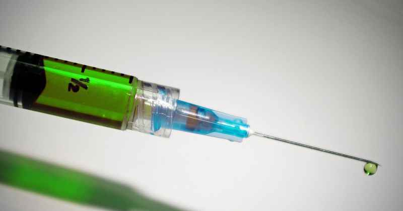 Testes da vacina chinesa em Minas Gerais são realizados pela UFMG