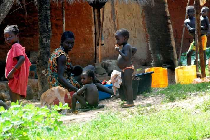 As 'doenças negligenciadas' afligem, principalmente, populações que residem em áreas pobres, sem direito à assistência à saúde e com precário saneamento básico, como ocorre em grande parte da África