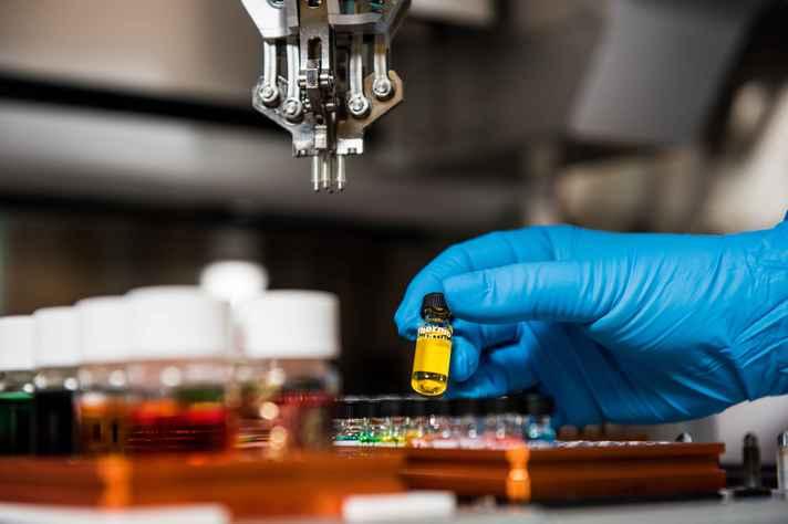Cientistas em todo o mundo estão mobilizados na busca de uma vacina contra o coronavírus