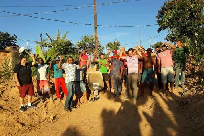 Mutirão na Ocupação Novo Paraíso, no bairro Palmeiras, para ampliar a rua da comunidade realizado em 2018