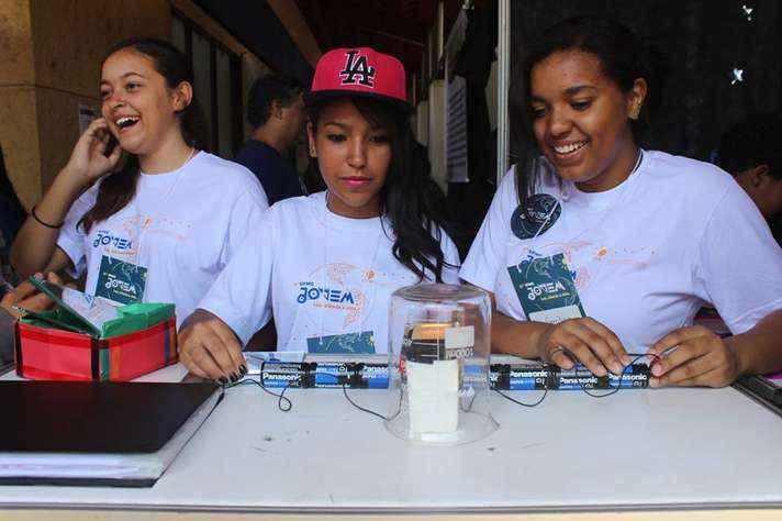 A UFMG Jovem é uma das iniciativas da Universidade para a divulgação científica entre crianças e jovens
