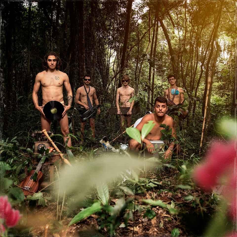 Capa do EP 'Tulipas', da banda Papa Black.