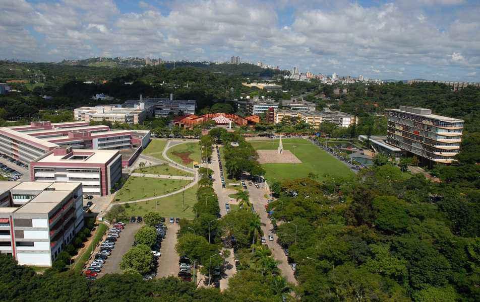 Vista aérea do campus Pampulha, que reúne a maioria das unidades acadêmicas da UFMG