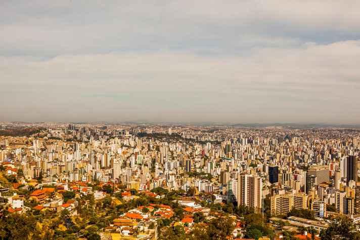 Vista panorâmica de Belo Horizonte: relação entre espaço urbano e violência é um dos eixos temáticos da conferência