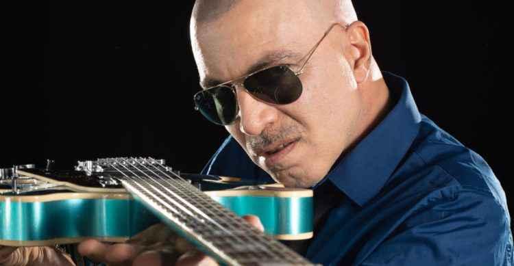 Eduardo Toledo já fez parte da banda Nepal e lança seu 4º disco solo