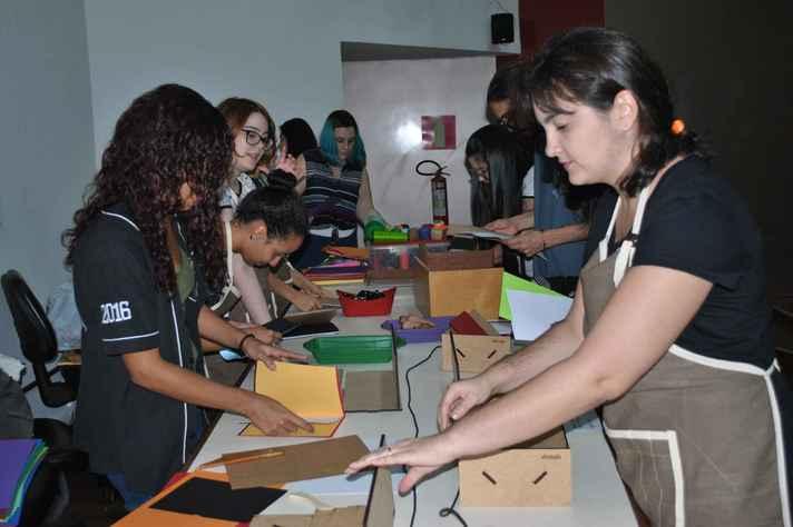 Laboratório de Edição (Labed) da Faculdade de Letras, onde são desenvolvidas atividades de ensino