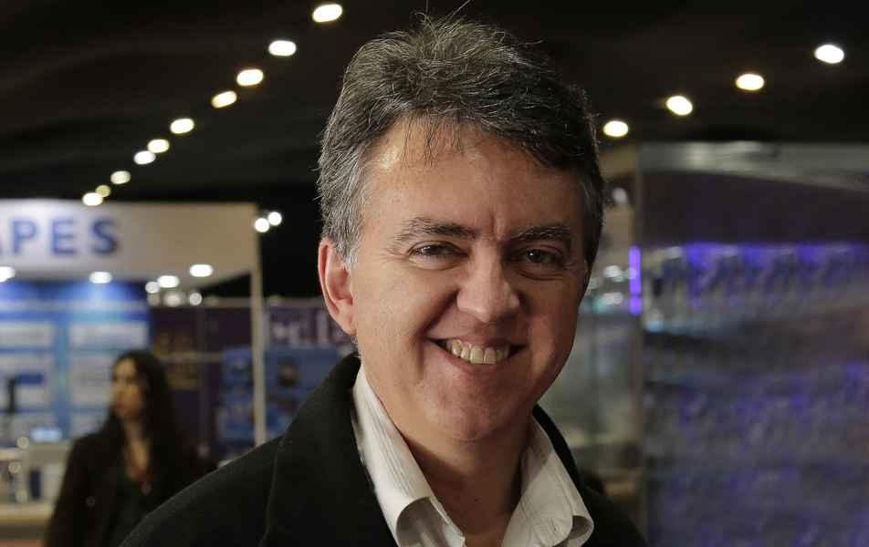 <p>Diretor do Centro de Computação<br>Carlos Alfeu Furtado da Fonseca, servidor técnico-administrativo em educação</p>