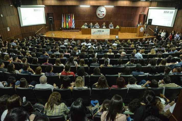 Abertura do evento, na Universidade Nacional de Cuyo