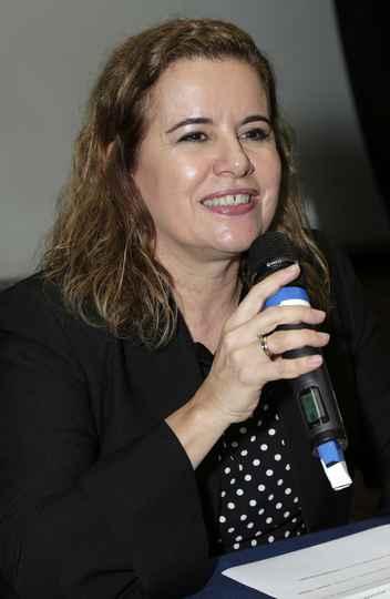 Sandra Goulart: universidade é solução