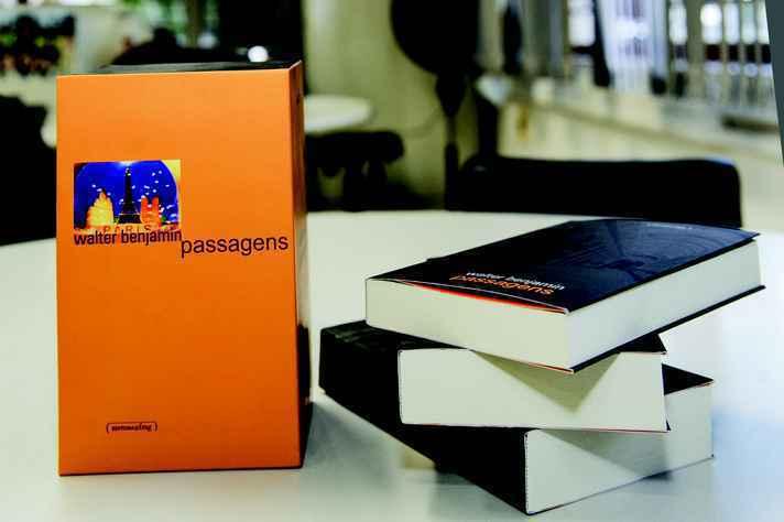 Box com edição dividida em três volumes também segue disponível