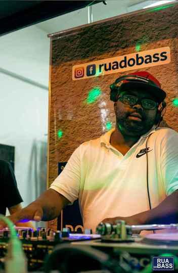 DJ Will é o criador e também se apresenta na Rua do Bass