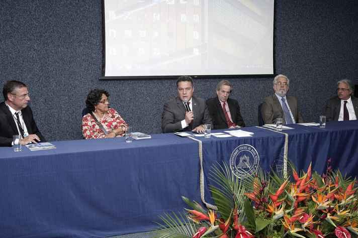 Ricardo Gazzinelli, Elza de Araújo, Jaime Ramírez, Roberto Rosenbaum, Ronaldo Pena e Paulo Gadelha