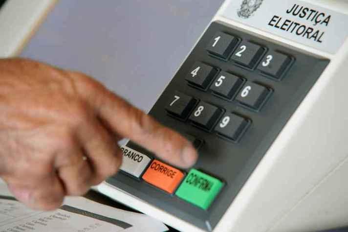 Urna eletrônica permite que o eleitor faça um voto válido, anule ou vote em branco
