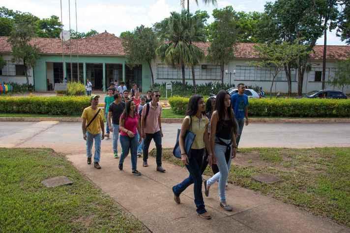 Estudantes no campus Montes Claros, sede dos cursos de Agronomia e Zooctecnia