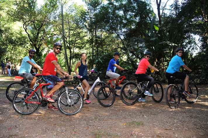 Alguns participantes aproveitaram o domingo de sol para pedalar na Estação Ecológica