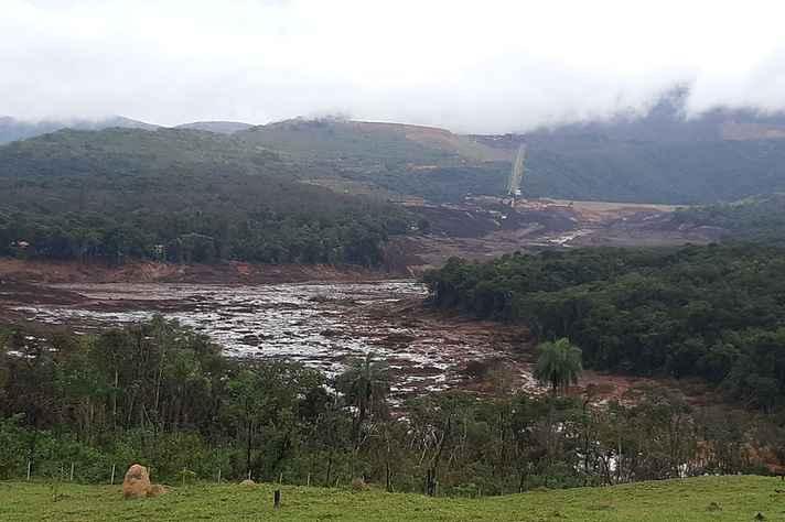 Barragem 1 do Córrego do Feijão, que rompeu em janeiro, foi construída em 1976 pela Feterco Mineração