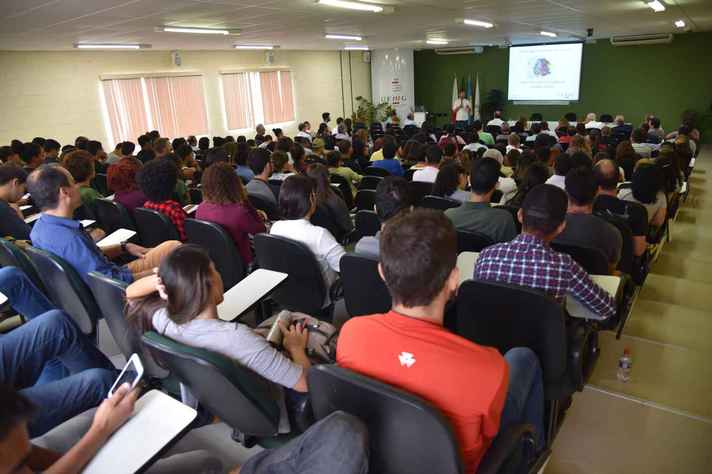 Aula inaugural reuniu calouros e veteranos do Instituto de Ciências Agrárias