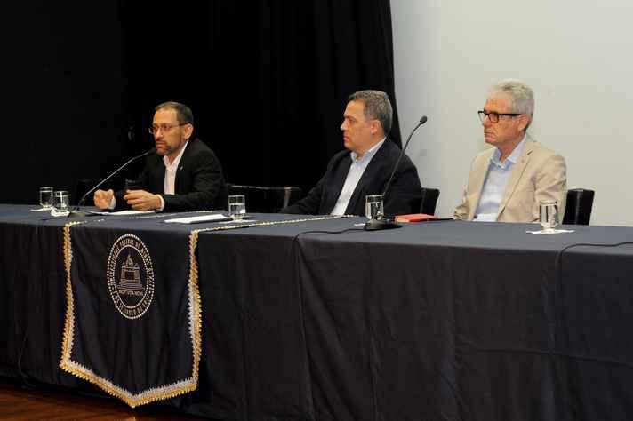 Ado Jorio (à esquerda), Jaime Ramírez e José Marcos Nogueira abriram a Semana