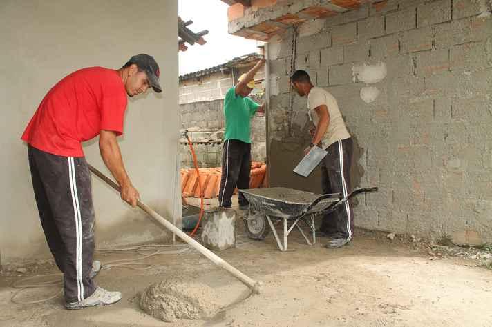 O Governo de Minas deve aplicar no mínimo 20% dos recursos destinados à criação de vagas no sistema prisional para a construção e ampliação de locais como as Apacs