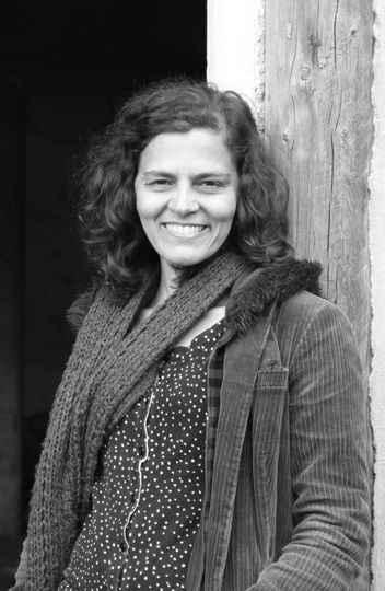 Lídia Mello, autora do livro