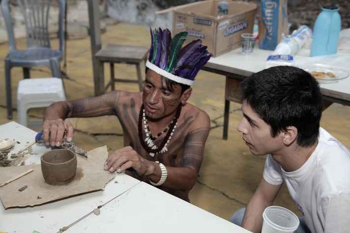 Nei Xakriabá é graduado em licenciatura indígena pela UFMG