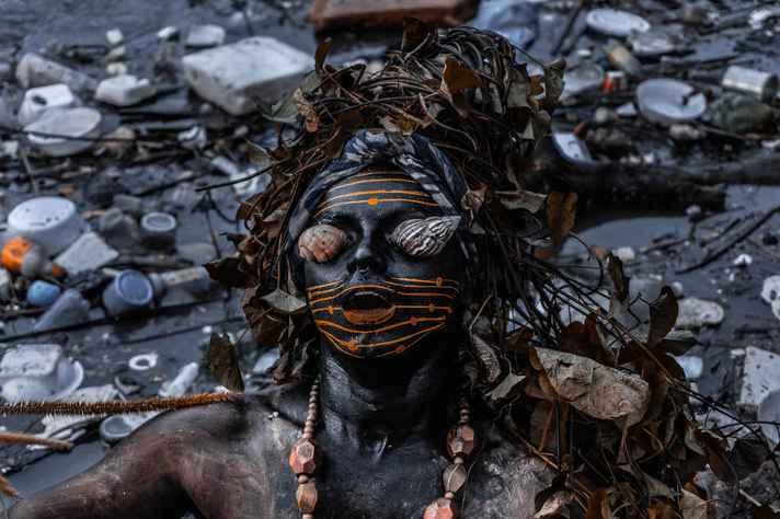 Performance do artivista indígena Emerson Pontes – ou Uýra Sodoma, nome que assume no âmbito da performance – é um dos destaques da programação do Festival
