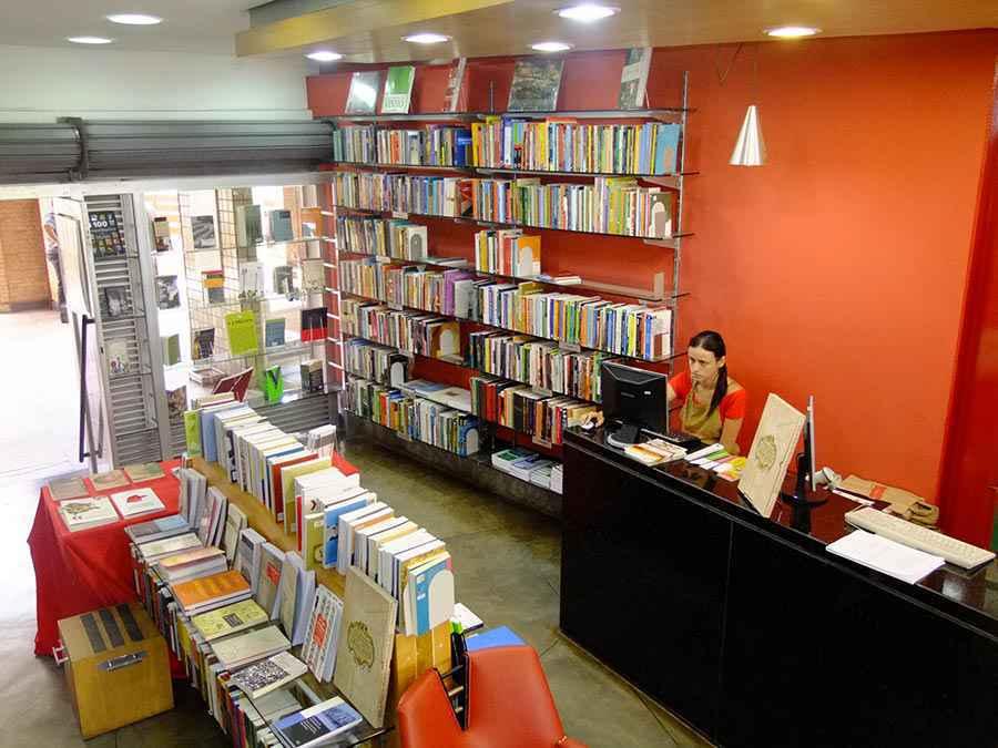 Loja da Livraria UFMG no campus Pampulha: