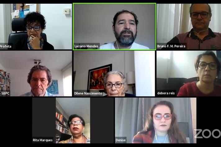 Professor Luciano Mendes, no centro superior, convocou para ações conjuntas