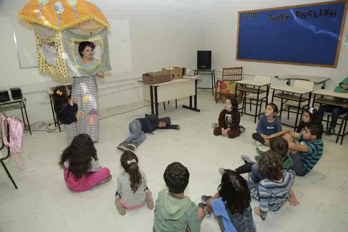 """Crianças participam da oficina """"Era uma vez - Brincando com as histórias"""""""