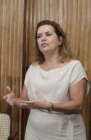 Sandra: foco na aproximação entre universidade e estado
