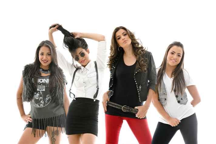 Com crescente reconhecimento na cena musical independente, o grupo já gravou dois CDs