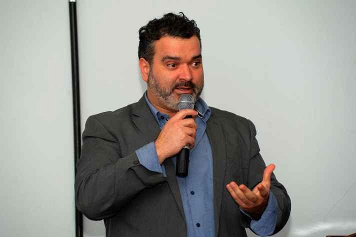 Daniel Flores discutiu segurança na preservação de documentos digitais