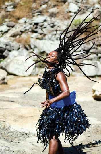 Júnia Bertolino vai ministrar oficina sobre corporeidades afro-brasileiras e apresentar espetáculo solo no Conservatório.